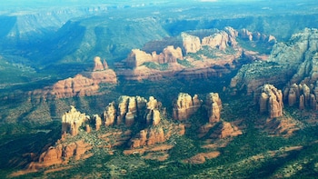 Scenic Airplane Flight & Wine Tasting Tour to Sedona (SWT)