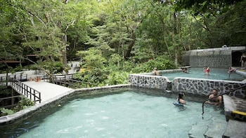 Jungle Hot Springs & Thermal Pools Tour by Tractor or Hiking