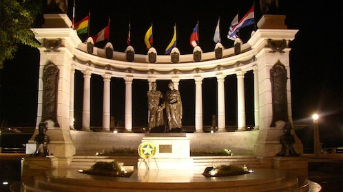 Monument to the Liberators Simon Bolivar y San Martin in Guayaquil, Ecuador