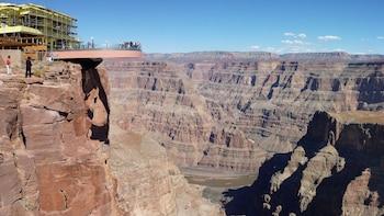 Grand Canyon Skywalk Adventure Tour from Sedona (S-ADV)