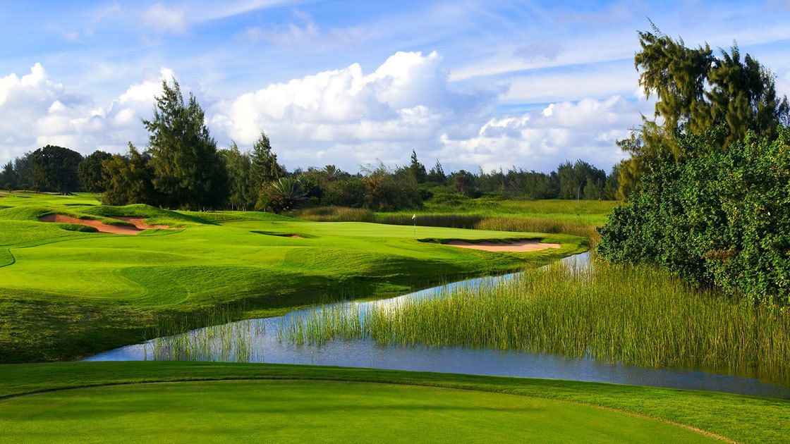 Enjoy a round of 18 at Arnold Palmer Signature Course