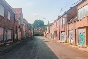 Rise of the Dead Self-Guided Urban Escape Game in Doel