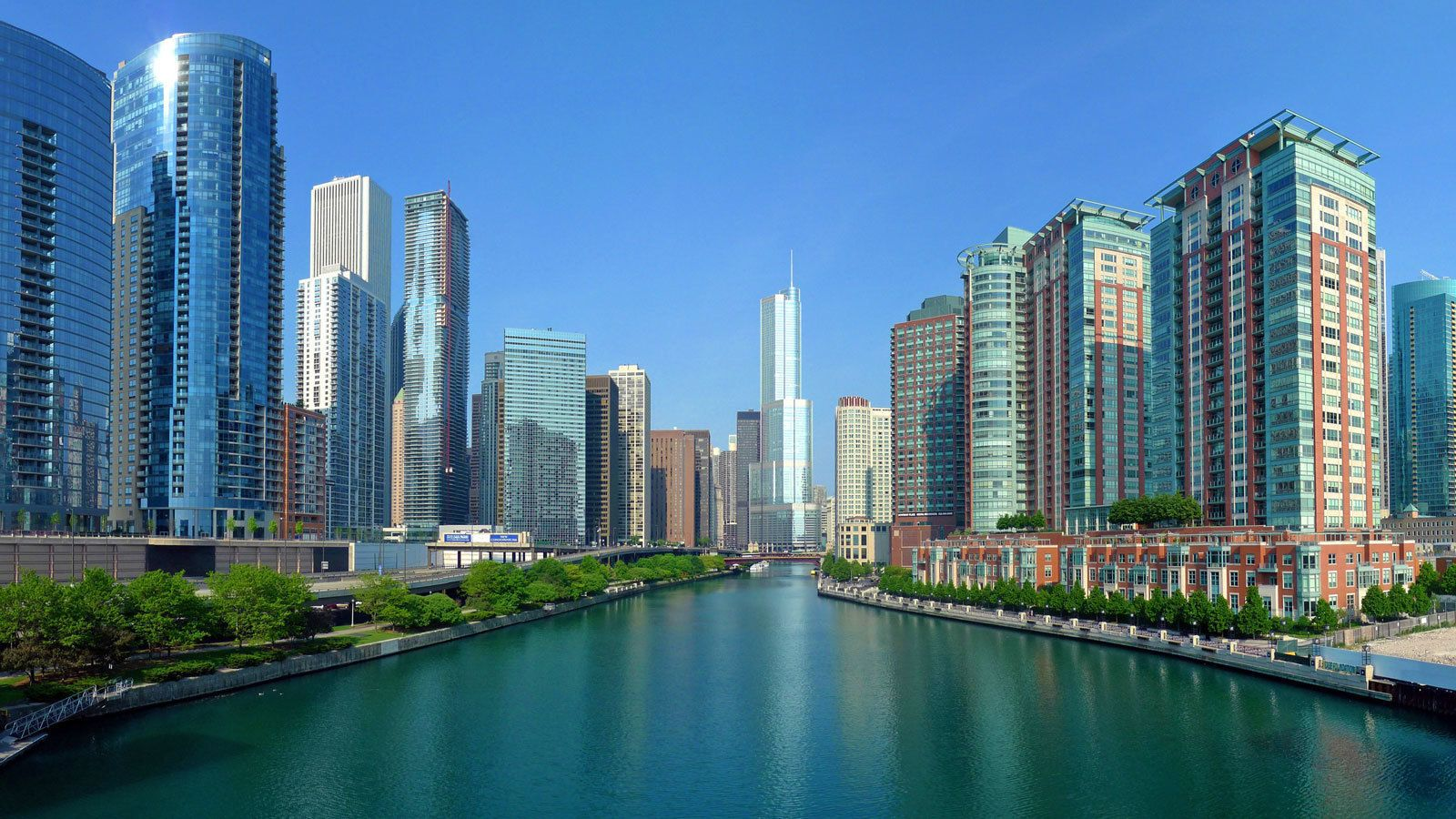 traveling between the water channels in Chicago
