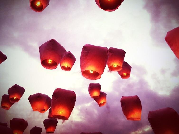 正在顯示第 3 張相片,共 6 張。 Pingxi Sky Lantern Experience & Shifen Waterfall Tour