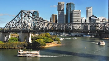 Brisbane River Steamboat Cruise with Buffet Lunch