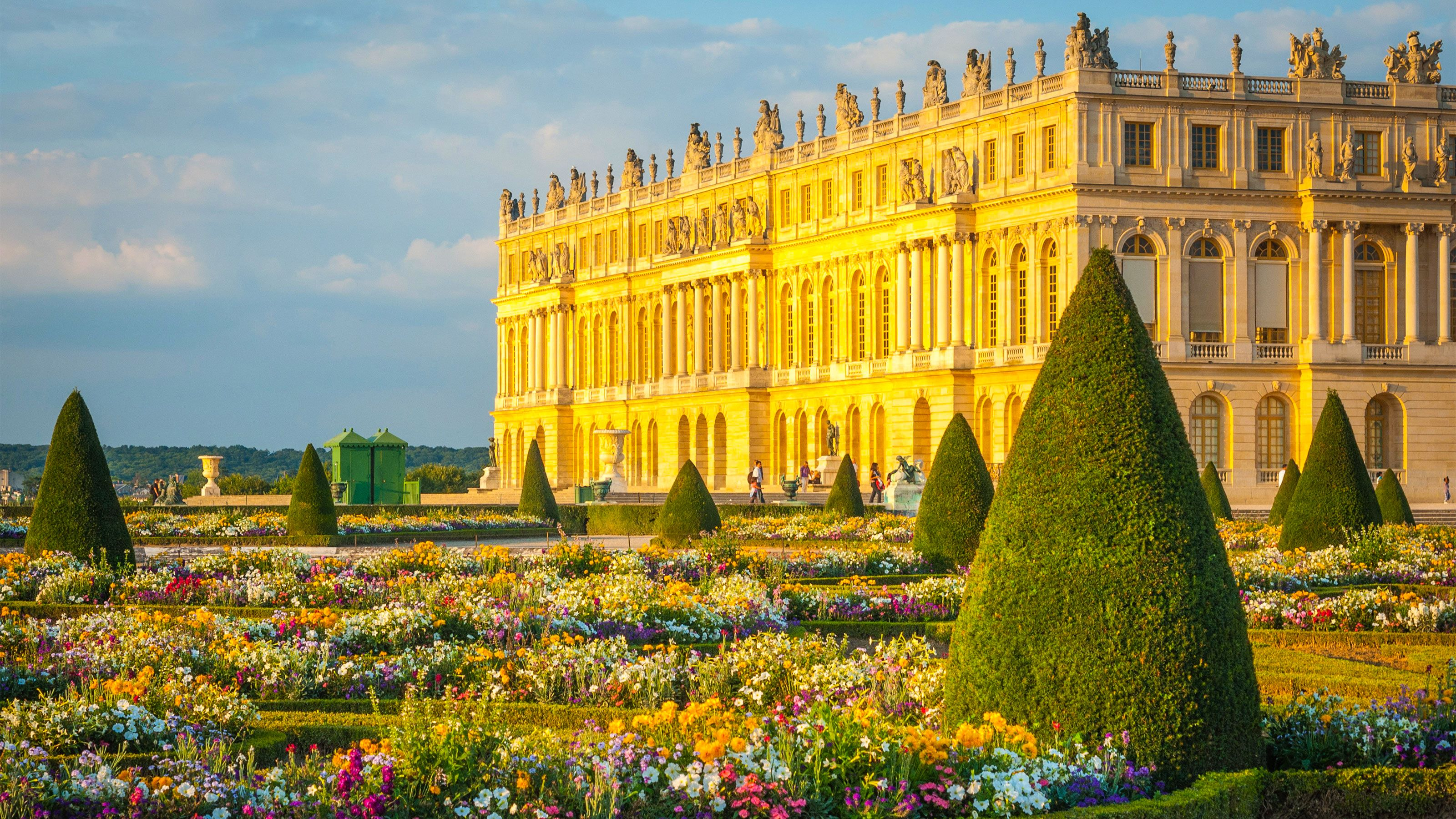 Skip-the-Line Tour of Versailles & the Louvre with Lunch