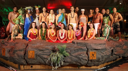group photo of performers at luau in Kauai