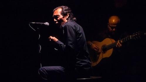 Internationally renowned flamenco performers at Cardamomo