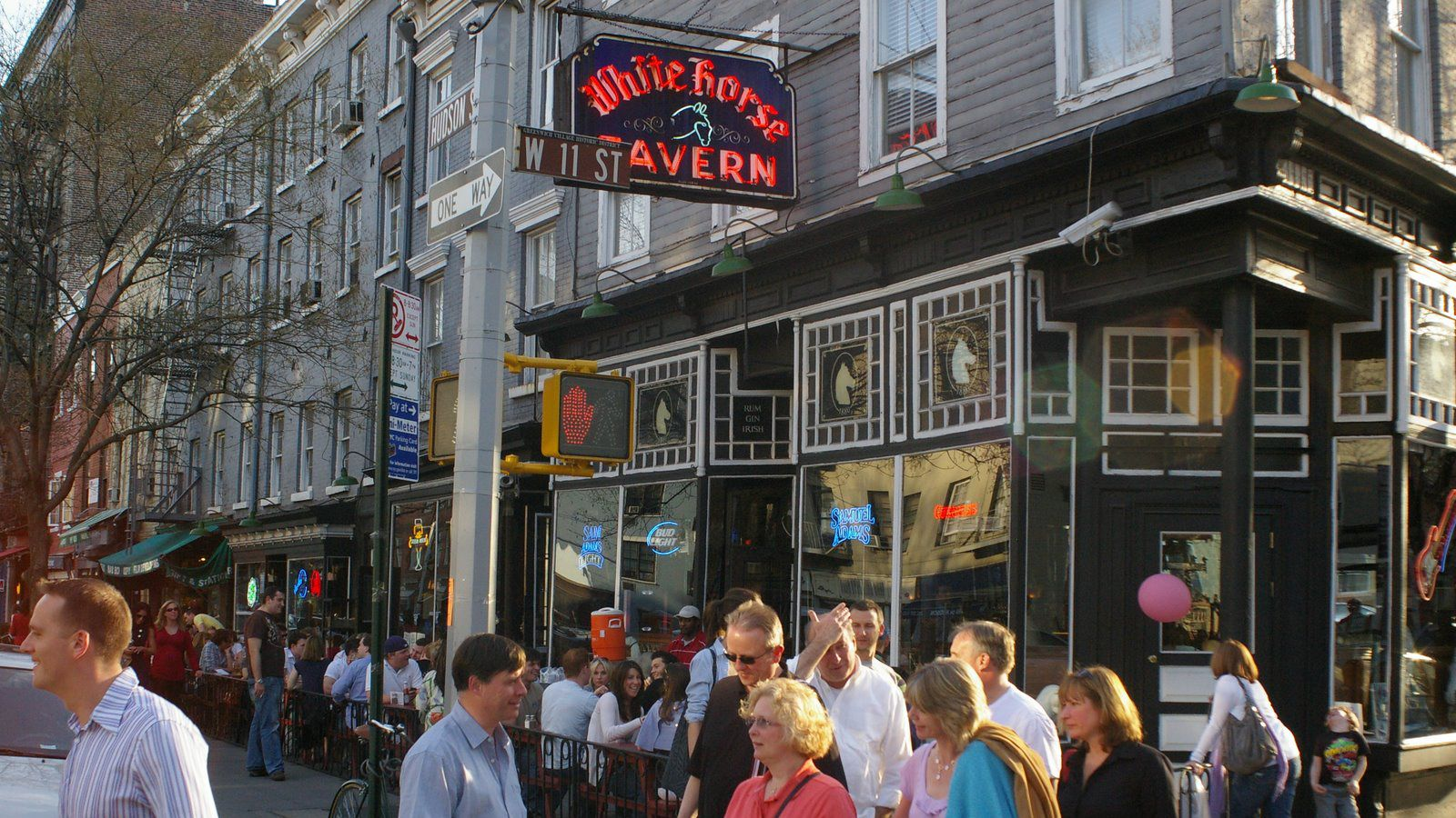 West Village Pub Crawl with Drinks