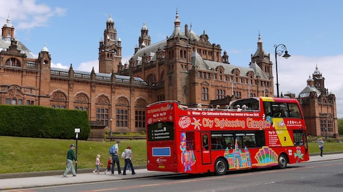 Scenic Glasgow Hop-on Hop-off tour