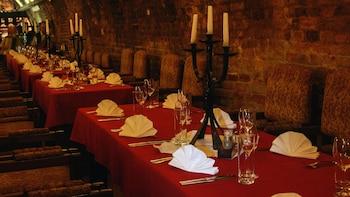 3-Course Dinner at Queen Elizabeth Wine Cellar & Restaurant