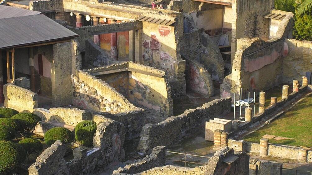 Apri foto 5 di 5. Aerial view of Herculaneum ruins.