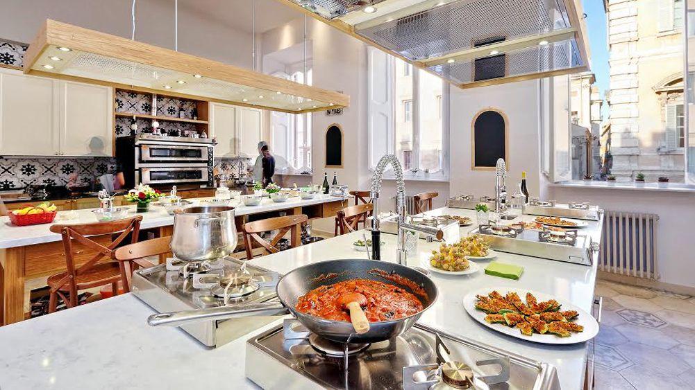 Matlagningskurs i liten grupp − pasta och tiramisu