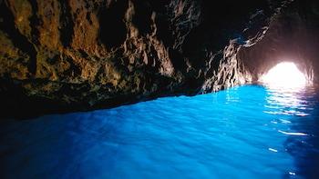 Motorbåtstur till Blå grottan och öarna Vis och Hvar
