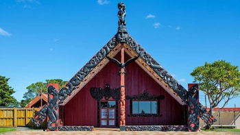 Maori Guided Walking Tour at Bastion Point, Auckland