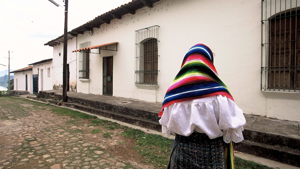 Show item 4 of 9. Local in Suchitoto