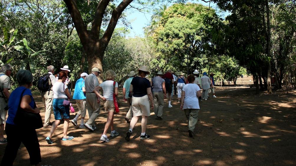 Tour group in El Salvador ruins
