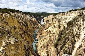 Grand Canyon of the Yellowstone Day Hike