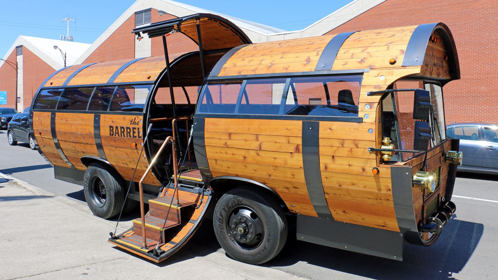 Barrel Bus Craft Brewery Tour with Beer Samples
