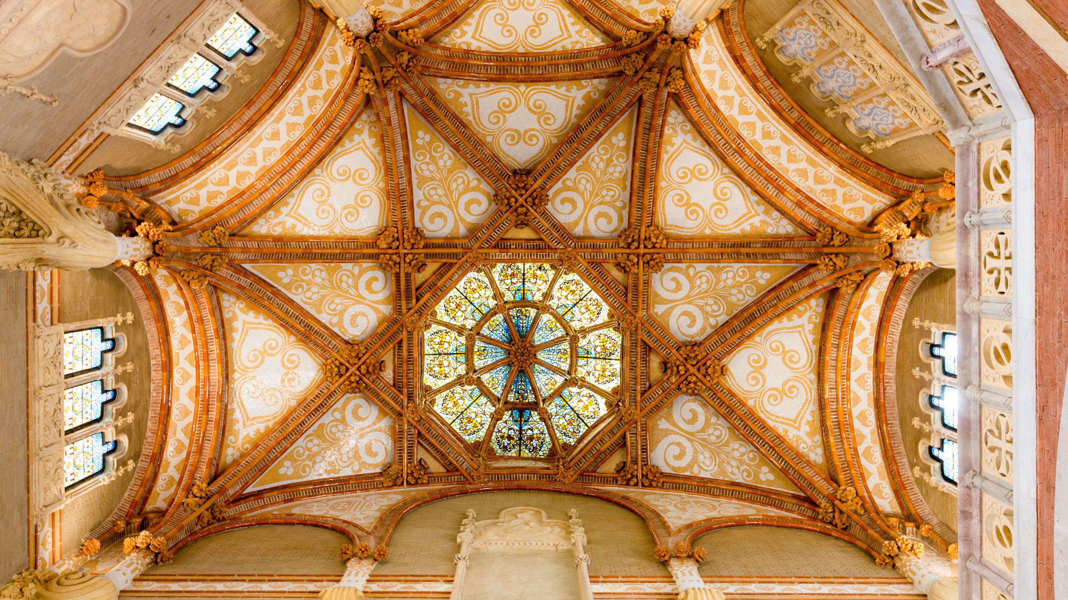 Stained glass and painted ceiling in Sant Pau