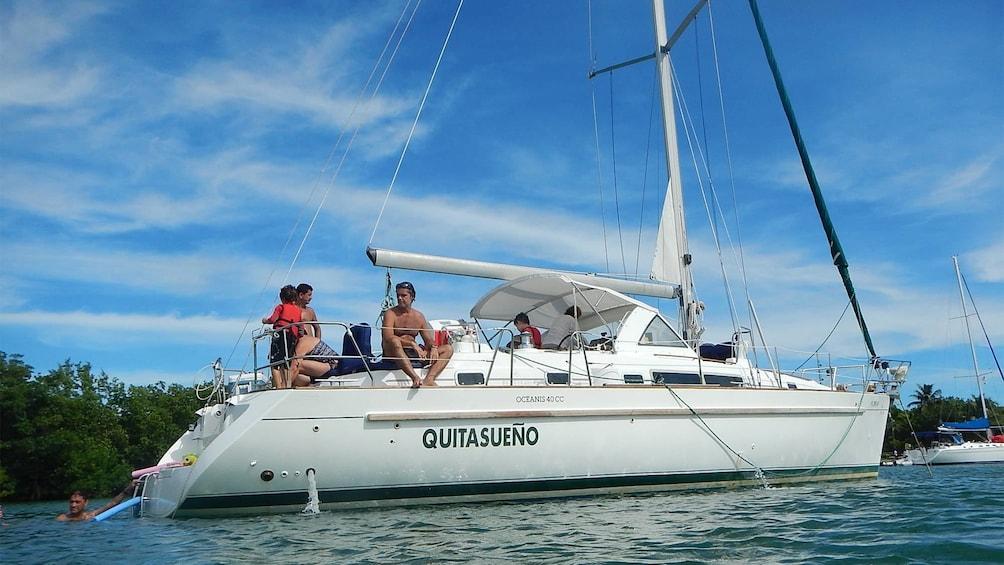 Apri foto 1 di 5. Sailing on Biscayne Bay