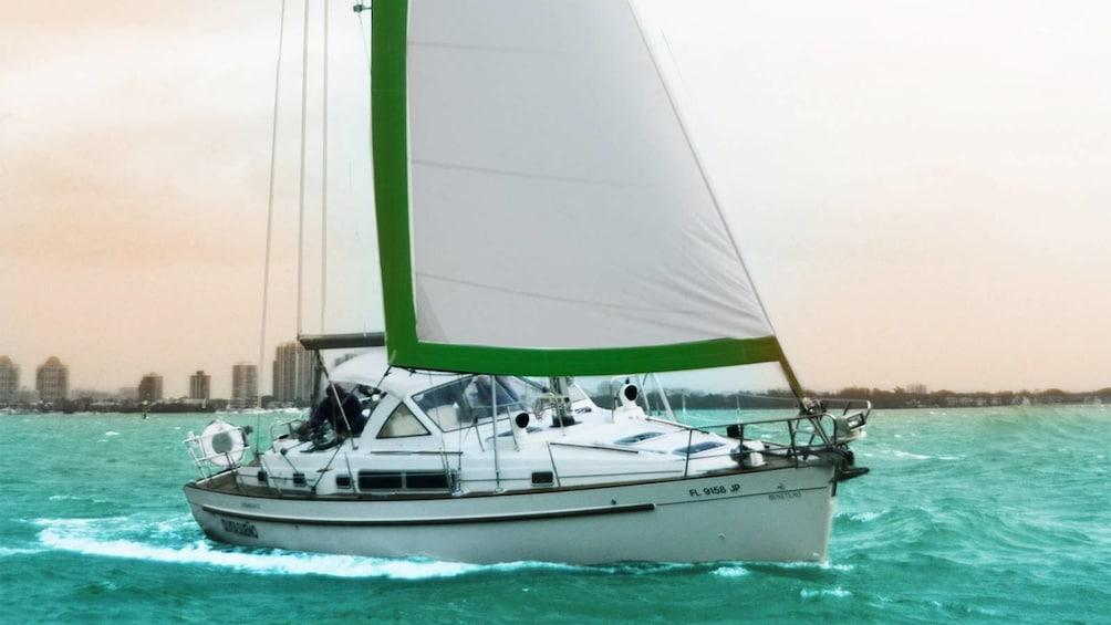 Apri foto 4 di 5. Serene sail on Biscayne Bay