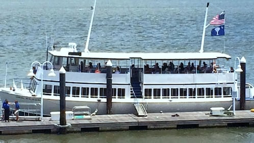 Sightseeing boat in Charleston