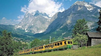 Eiger & Alpine Glaciers Full-Day Tour from Lucerne