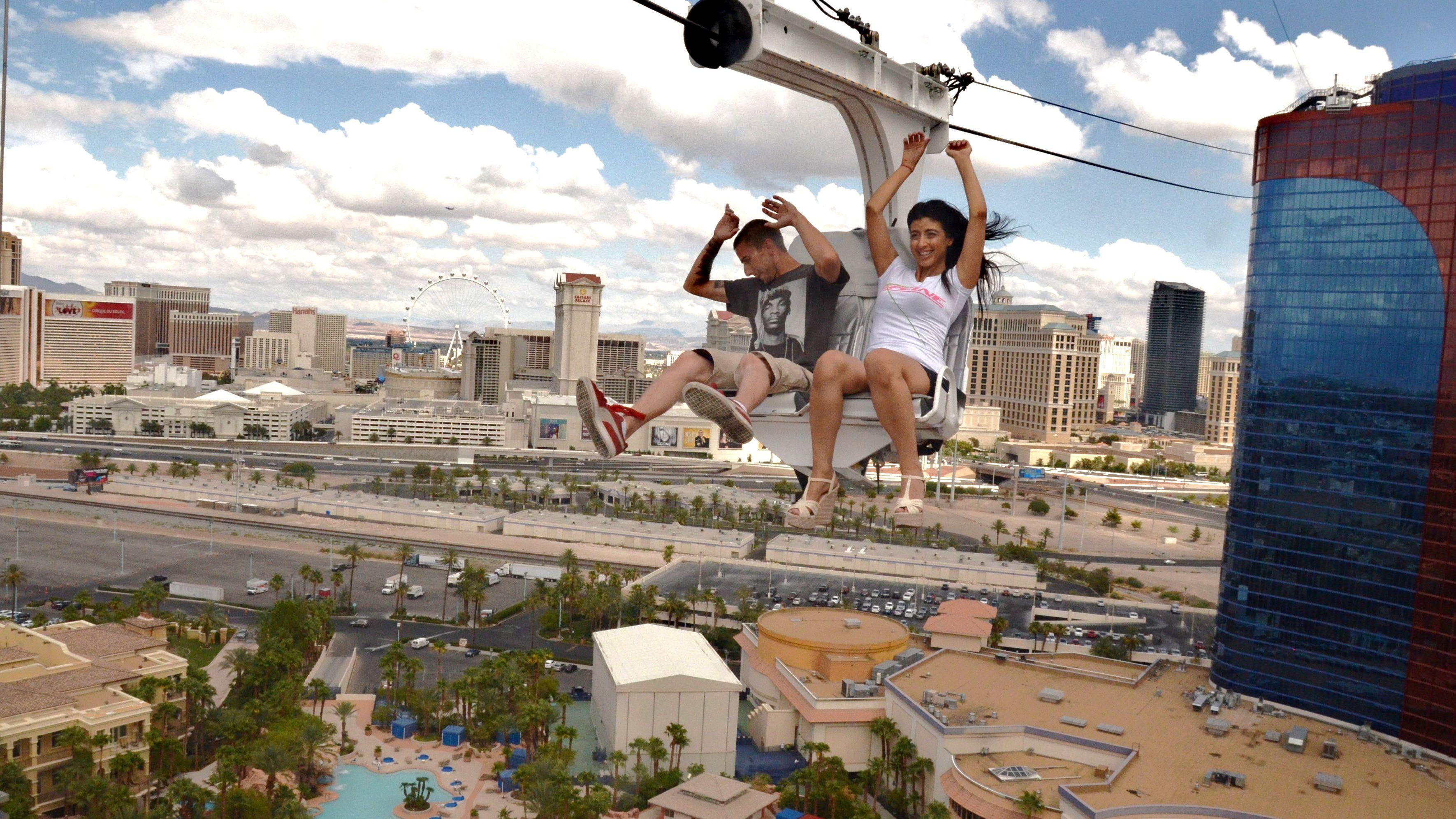 Lanzarse en la tirolina VooDoo Zipline del Rio