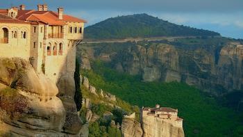 Meteora Half-Day Tour to 3 Monasteries