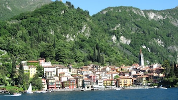 Lake Como Full-Day Tour with Cruise