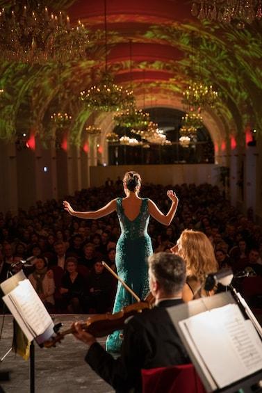 Schönbrunn Palace Classical Concert & Dinner
