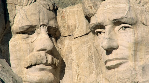 Theodore Roosevelt and Abraham Lincoln on Mount Rushmore