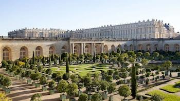 Visite privée de Giverny et de Versailles et entrée avec accès prioritaire