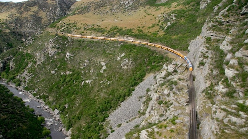 Landscape view of the taieri gorge train in dunedin