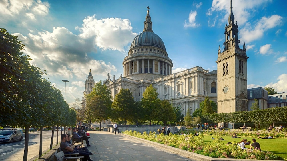 Apri foto 5 di 9. St Paul's Cathedral in London