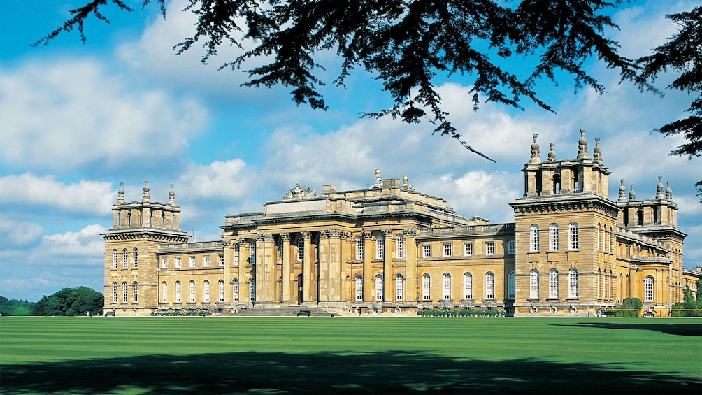 Show item 4 of 9. Blenheim Palace in England