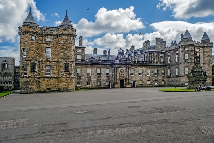 Show item 2 of 8. Edinburgh Full-Day Tour with Edinburgh Castle & Hop-on-Hop-Off Bus Tickets