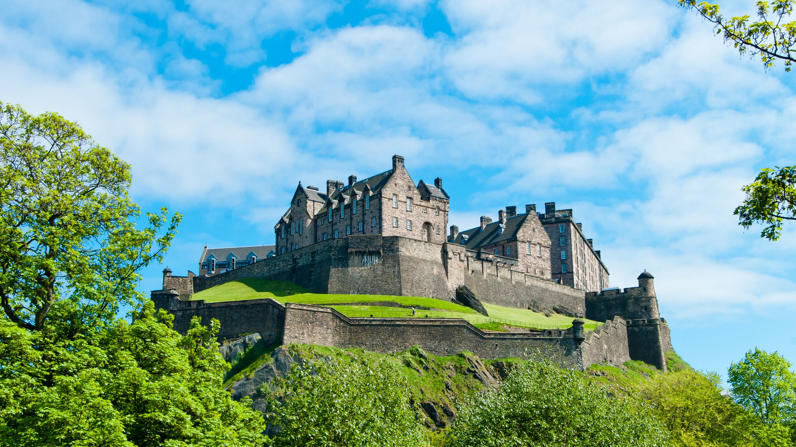 Edinburgh castle and blue sky