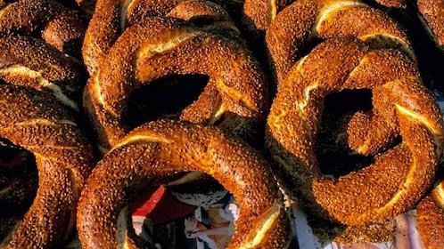 bretzel rings in istanbul