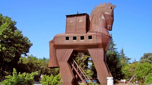 sculpture of the wooden trojan horse in Turkey