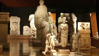 Puolen päivän kiertomatka arkeologisessa museossa