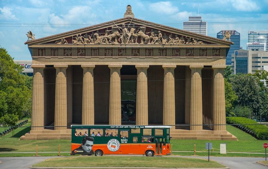 Foto 3 von 10 laden Nashville Old Town Trolley Hop-On Hop-Off City Tour