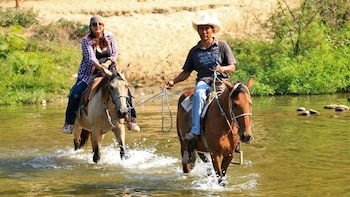 Atotonilco Hot Springs Horseback Riding Tour