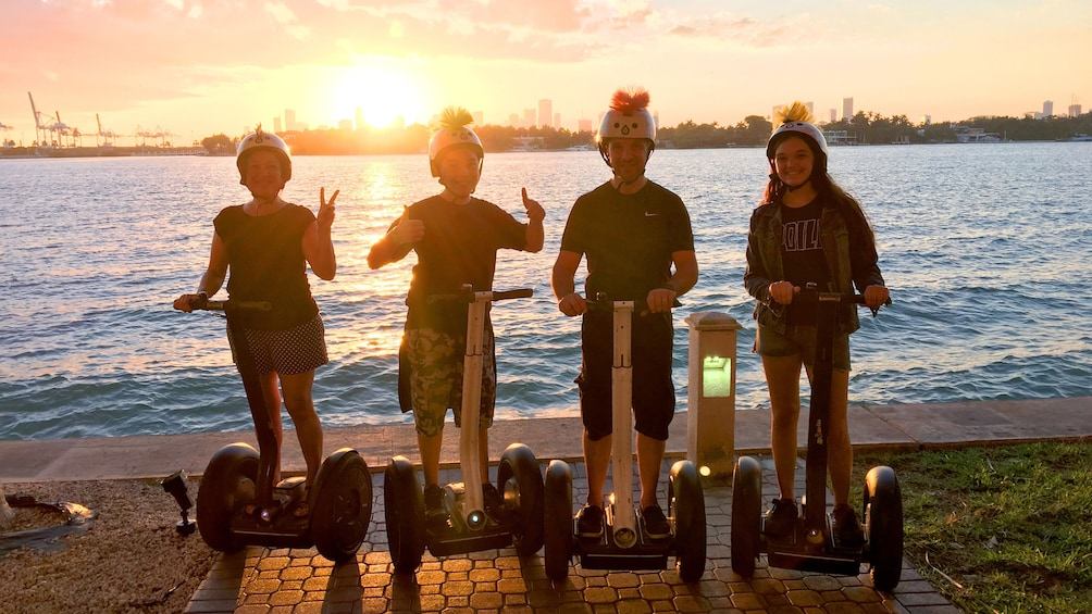 Apri foto 3 di 9. Segway group in Miami at sunset