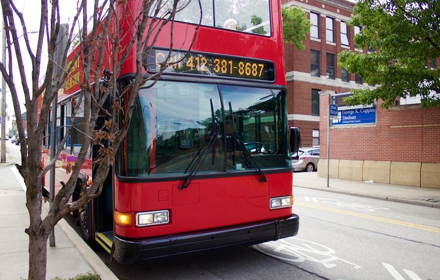 Carregar foto 5 de 8. Hop-On Hop-Off Double-Decker Bus Tour of Pittsburgh!