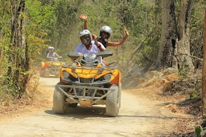 ATV Xtreme y Ziplines Tour con Cenote Swim & Lunch