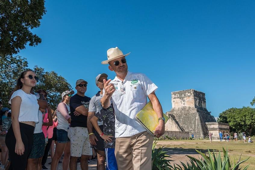 Charger l'élément 4 sur 10. Chichén Itzá All-Inclusive with Cenote Hubiku and Valladolid