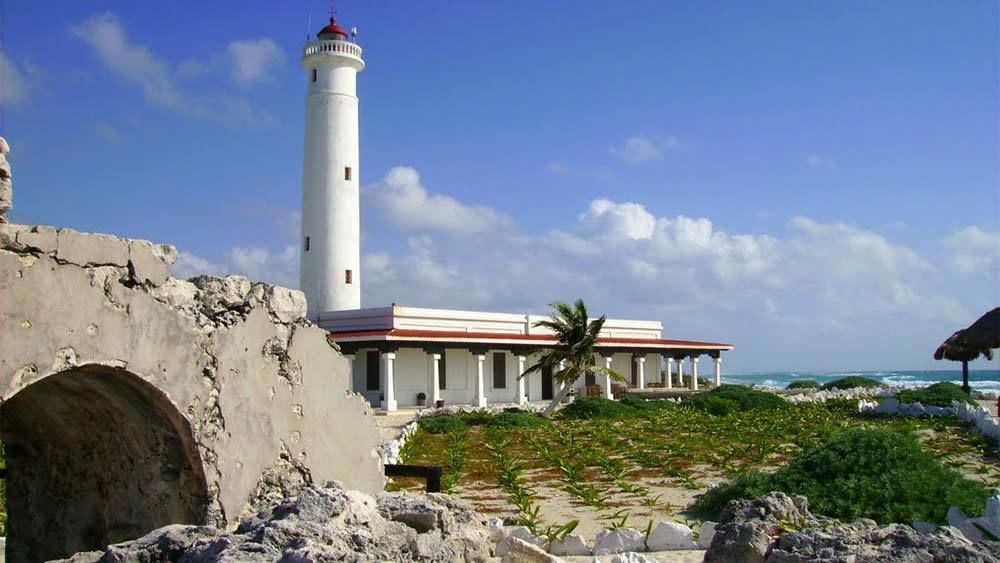 Serene view of a lighthouse in Cancun