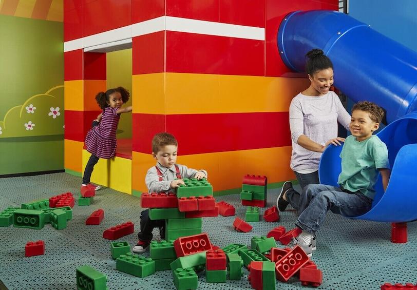 正在顯示第 3 張相片,共 10 張。 LEGOLAND® Discovery Center Michigan